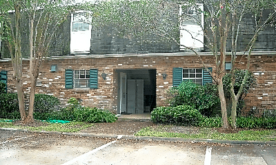 Building, 1701 College Dr, 0