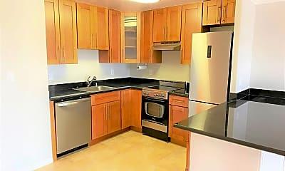 Kitchen, 4130 Cesar Chavez, 1