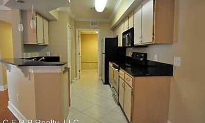 Kitchen, 725 Crest Pines Dr, 1
