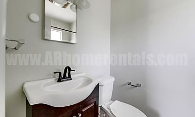 Bathroom, 115 N Taylor St, 2