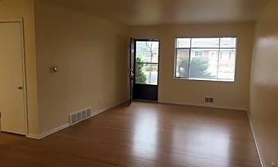 Living Room, 205 S 39th St, 1