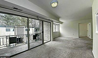 Living Room, 12403 Braxfield Ct 11, 1