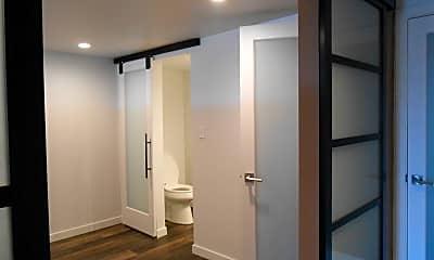 Bathroom, 1224 W Riverside Ave, 0