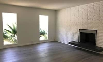 Living Room, 3215 Velma Dr, 2
