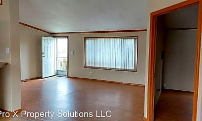 Building, 2415 N Locust St, 1