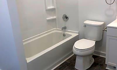 Bathroom, 1104 18 1/2 Ave, 2