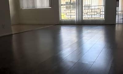 Living Room, 853 Center St, 1