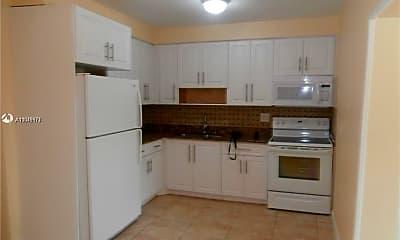 Kitchen, 5301 Hollywood Blvd 5301, 2