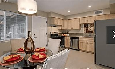 Kitchen, 324 E Magnolia St, 1