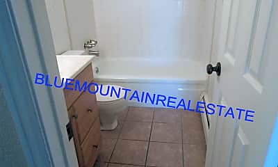 Bathroom, 4506 Picturesque Cir, 2