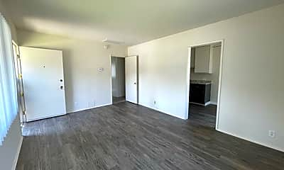 Living Room, 619 S Grevillea Ave, 0