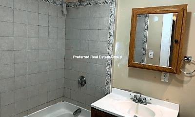 Bathroom, 4 Jerome St, 2