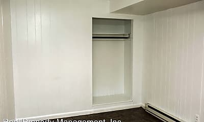 Bedroom, 223 9th St SW, 1