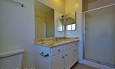 Bathroom, 2406 Curtis Ave, 2