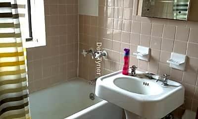 Bathroom, 2 East St, 2