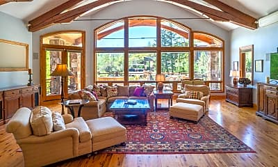 Living Room, 189 Saddleback Ln, 1