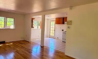 Living Room, 9248 Starr Rd, 2