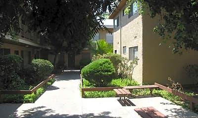 Courtyard, Studio Pointe Apartments, 1