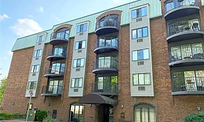 35300 Woodward Ave 203, 2