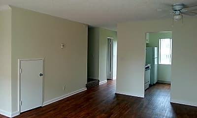 Living Room, 210 Quintard St, 1