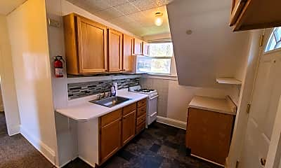 Kitchen, 302 S Prairie St, 1
