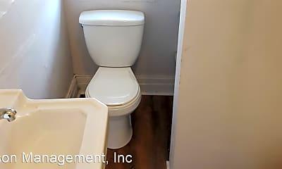 Bathroom, 505 Meigs St, 2