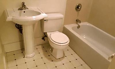 Bathroom, 1511 E Mercer St, 2