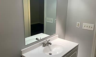Bathroom, 1205 Club House Rd, 2