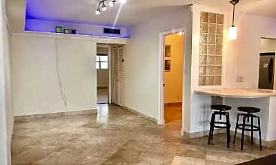 Living Room, 2800 NE 28th St 4, 0