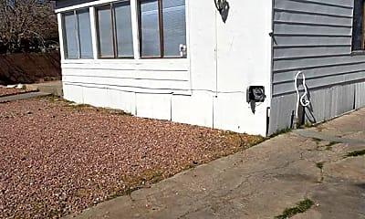 Building, 5556 Everglade St, 1