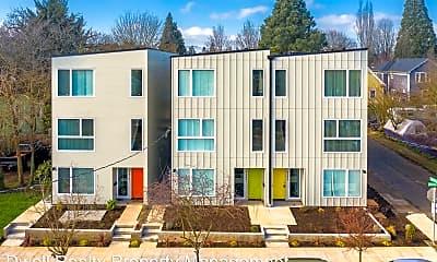 Building, 4493 NE Rodney Ave, 1