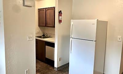 Kitchen, 4003 Minnesota Dr, 1
