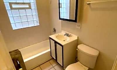 Bathroom, 8001 S Drexel Ave, 1