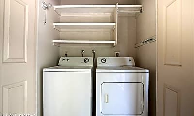 Bathroom, 5260 River Glen Dr 266, 2