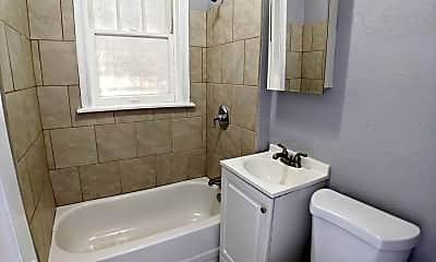 Bathroom, 4051 Pennsylvania Ave, 2