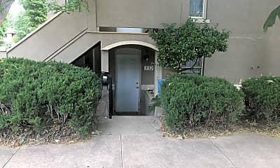Building, 332 W Myrtle St, 1