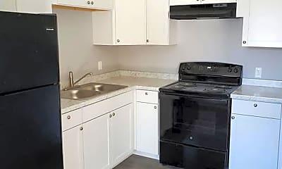 Kitchen, 1465 Sutton Bridge Rd, 2