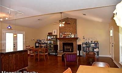 Living Room, 251 Ivy Ln, 2