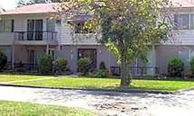 Sutters Creek Apartments, 1