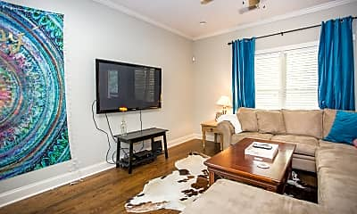 Living Room, 435 Willow St, 2