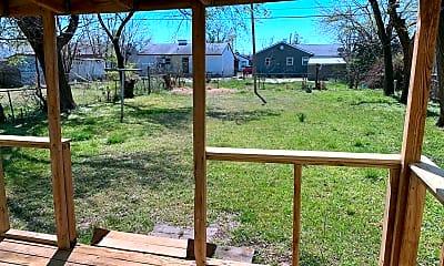 Patio / Deck, 3936 Pine Ave, 2