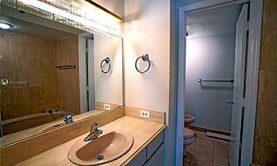 Bathroom, 2843 S Bayshore Dr, 2