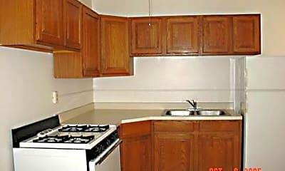 7535 West Jackson Apartments, 2