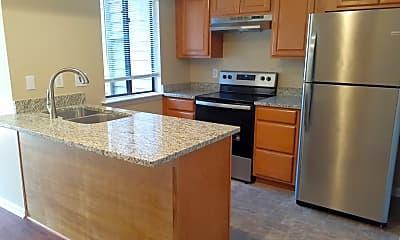 Kitchen, 1104 N Green Dr, 0