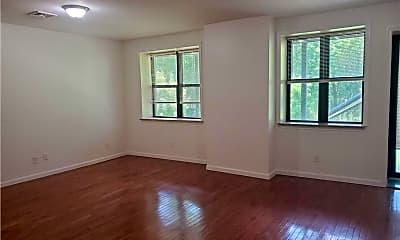 Living Room, 18 Cedar St, 2