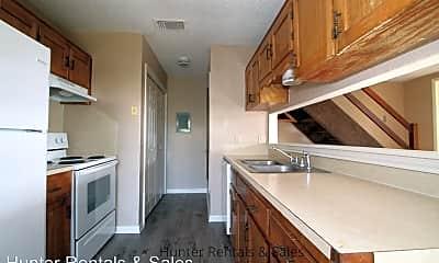 Kitchen, 504 Angus Cir, 1