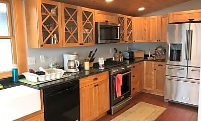 Kitchen, 15 Edgemont Landing, 1