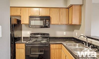 Kitchen, 1400 Clarewood Dr, 1