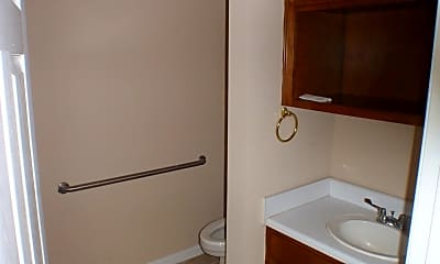 Bathroom, 509 University Dr, 2
