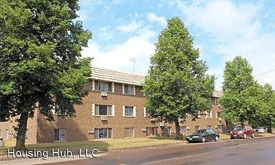 Building, 41 Arlington Ave W, 1